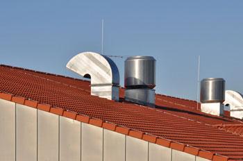 Lüftungsschacht am Dach